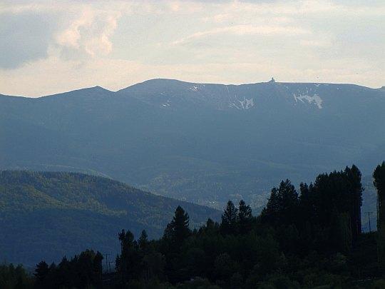 Wielki Szyszak (czes. Vysoké Kolo, niem. Hohe Rand; 1509 m n.p.m.) i Śnieżne Kotły.