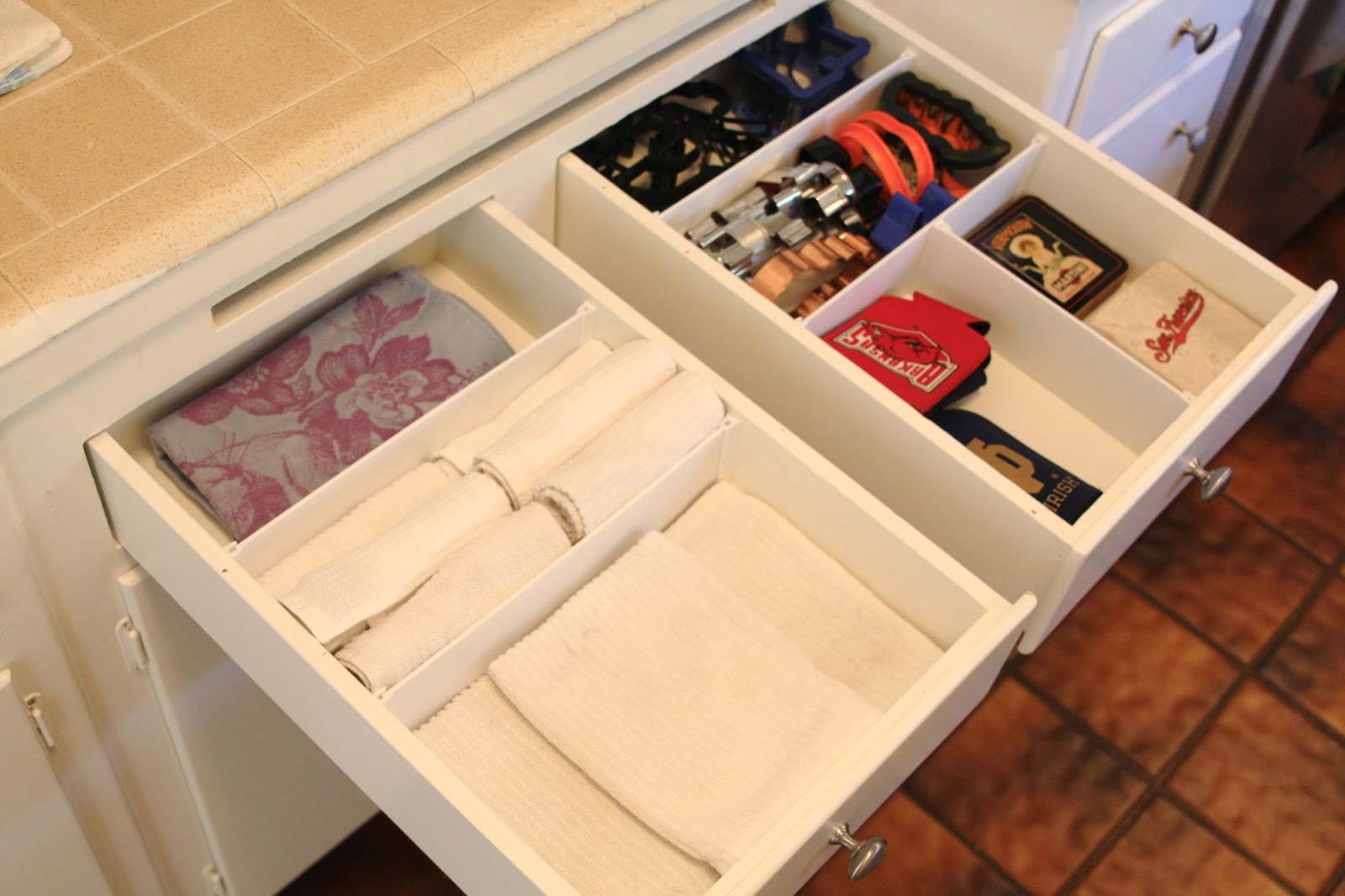 Now, here are my newly customized kitchen drawers…