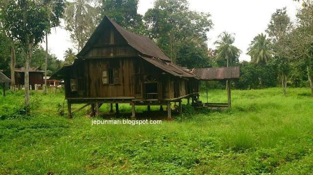 Kampung abah den Kampung Batu Masjid, Renggoh