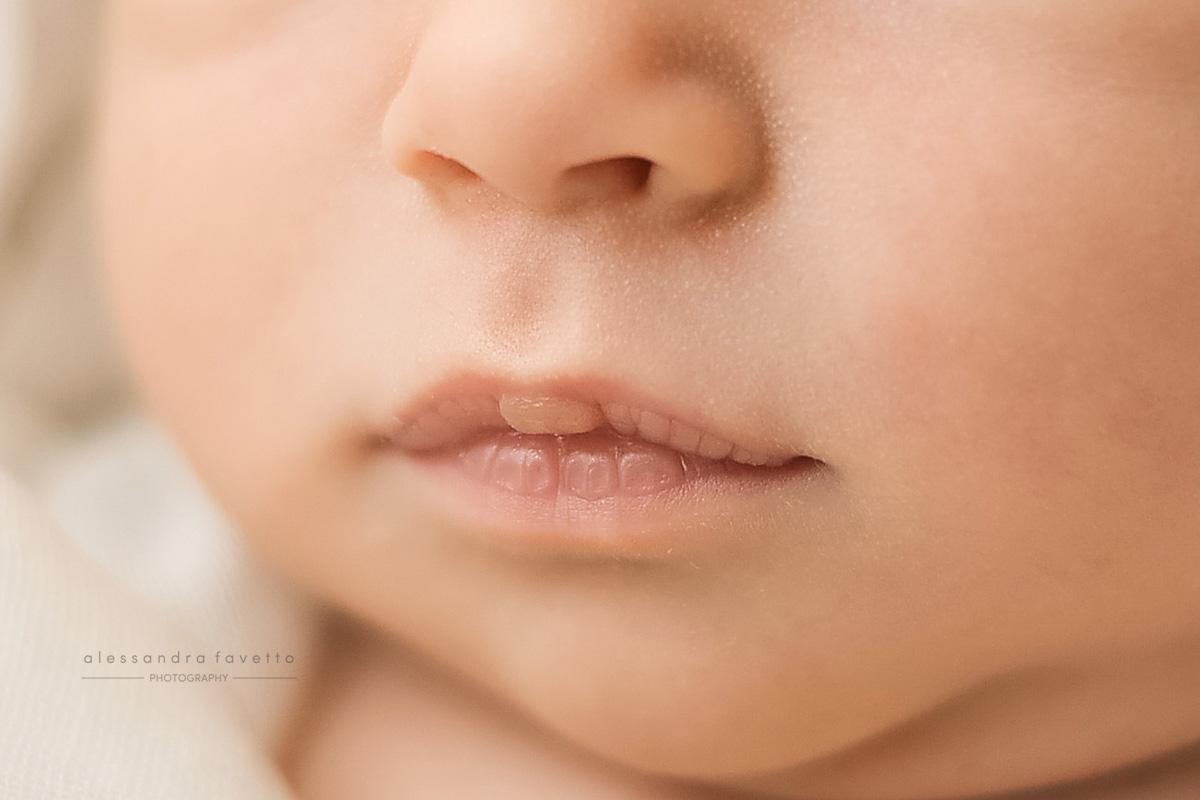 Sesión de fotos de bebé recién nacido a domicilio en Dos Hermanas, Sevilla