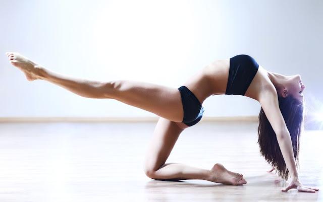 Αυτός είναι ο νέος τρόπος για να δείχνουν τα γυναικεία πόδια πιο γυμνασμένα