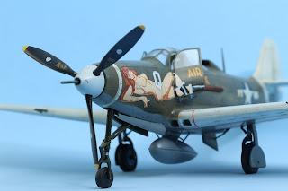 """P-400 Airacobra """"Air a cutie""""d'Eduard au 1/48."""