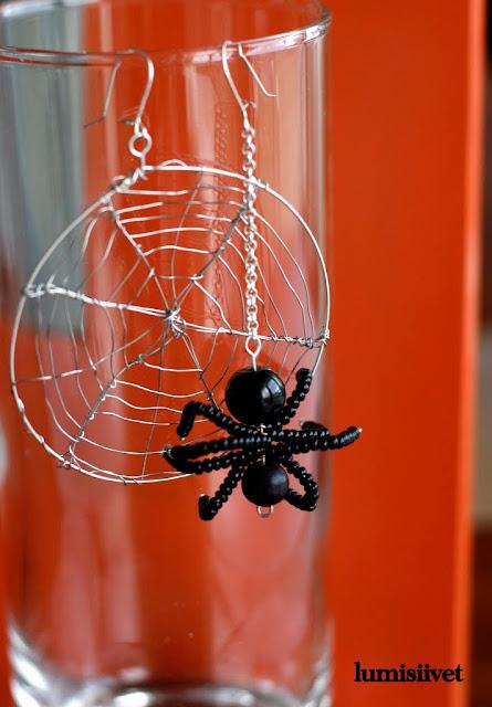 korvakoru hämähäkki