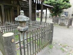 巽神社石灯籠