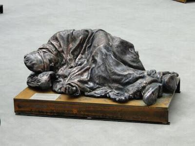 Escultura de vagabundo