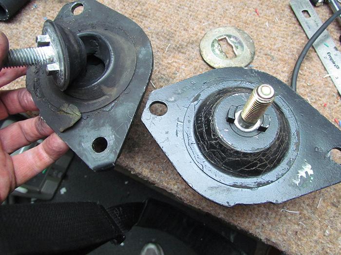 Worn Broken Cracket Shot Engine Motor Mount Saab C Rip Tear Rubber Hydraulic on 2001 Hyundai Accent Engine Diagram Motor Mounts