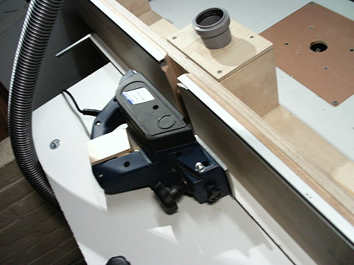 michels bastelbude elektrohobel in den fr stisch einbauen dickenhobel diy. Black Bedroom Furniture Sets. Home Design Ideas