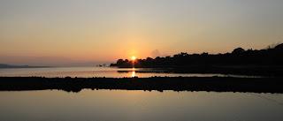 sunset di Samawa Seaside Cottages