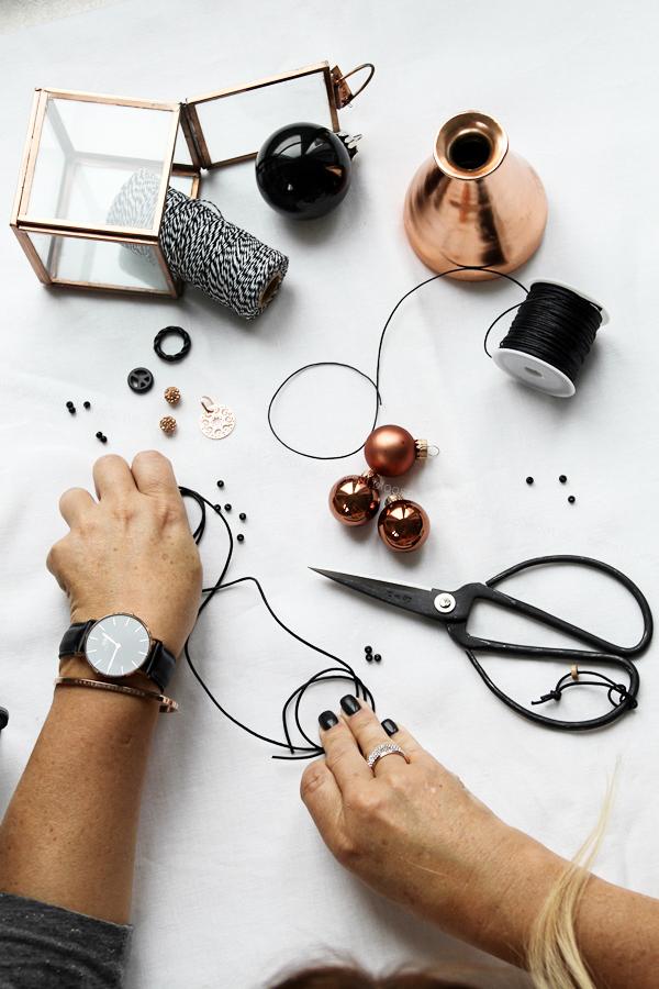 DIY Armbänder mit Schiebeknoten Anleitung, Lastminute Tipp Weihnachtsgeschenke, Armbänder schwarz rosegold selber machen,Daniel Wellington classic black