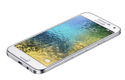 Thay mat kinh Samsung E7 bao nhiêu tien