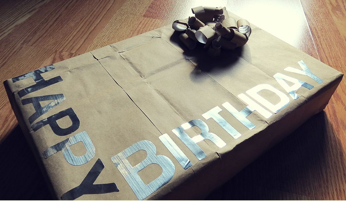 Screwdrivers and Stethoscopes: {DIY Gift Wrap} Part 2: Grocery Bag