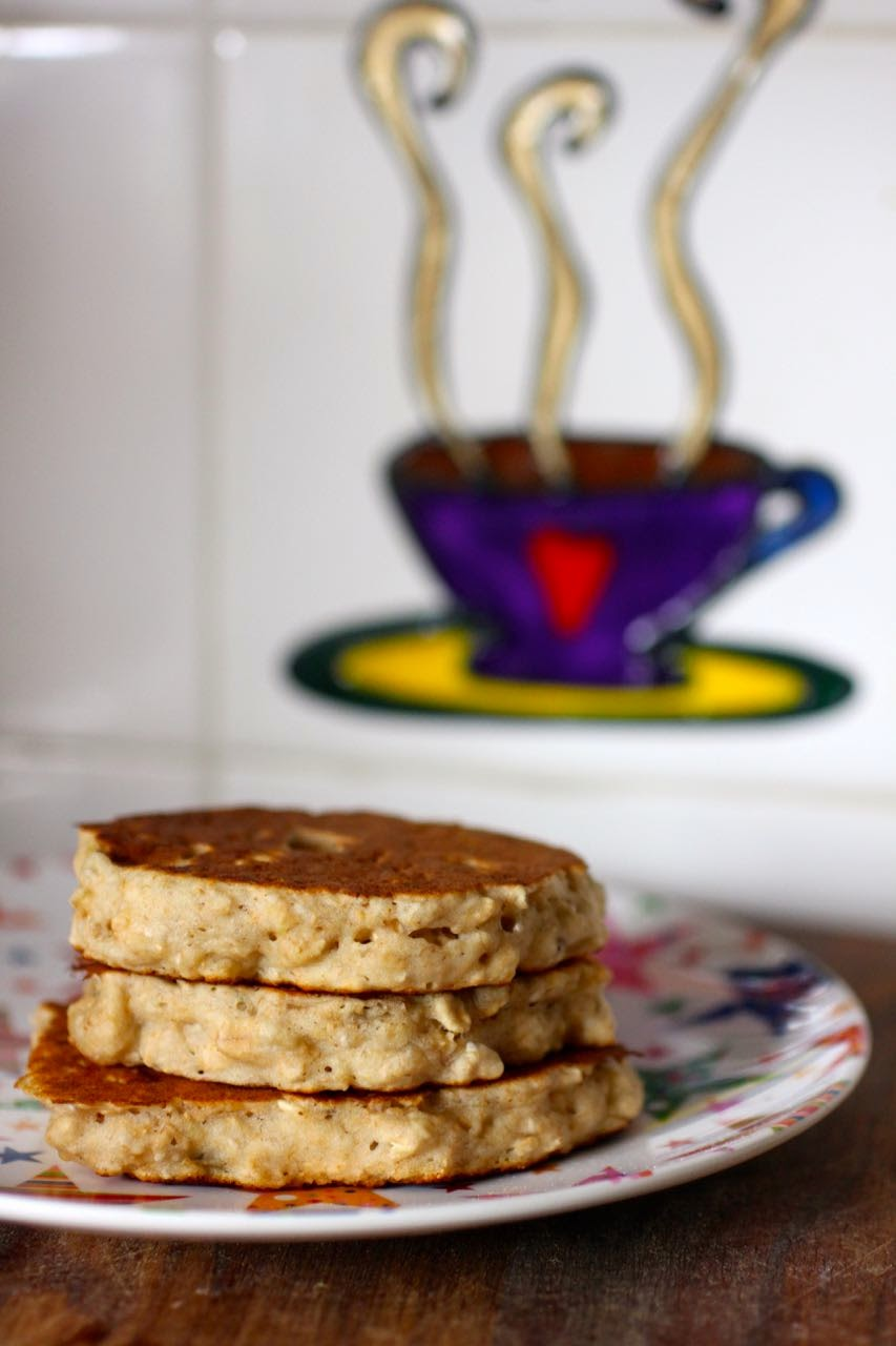 Green gourmet giraffe banana oat pancakes revisited and veganised she loves to help make the pancakes and my cunning plan is that she will soon rise on a weekend morning to serve me pancakes in bed ccuart Image collections