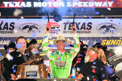 Kyle Busch Wins Four out of Five Xfinity – Then takes Back-To-Back Checkers in the #nascar Sprint Cup Division
