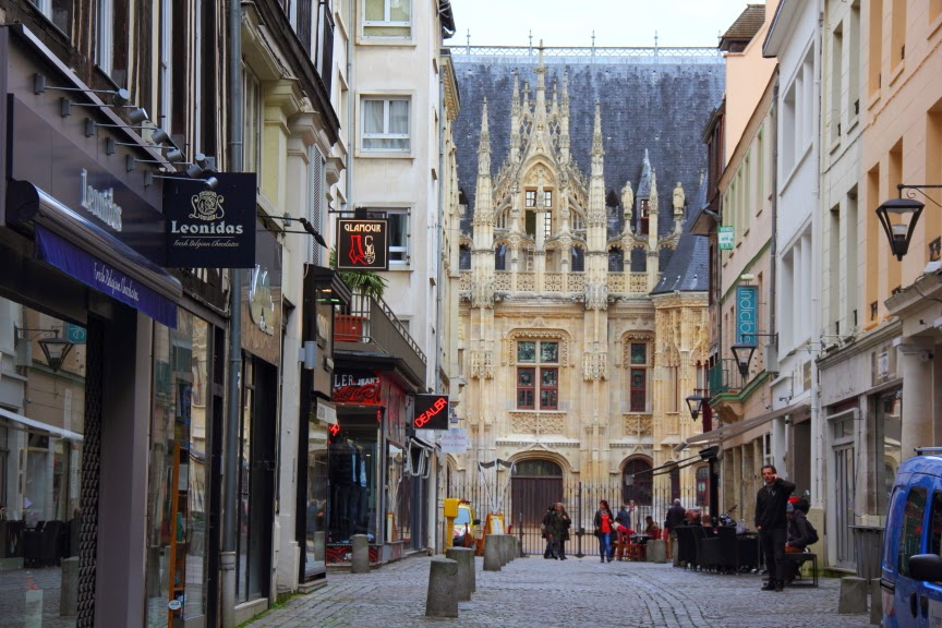 rouen is 70 miles from paris and. Black Bedroom Furniture Sets. Home Design Ideas