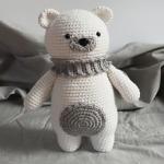 http://www.howtoamigurumi.com/polar-bear-amigurumi-free-pattern/