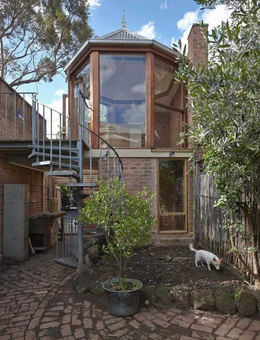 12-Lin-Architecture-with-the-North-Fitzroy-Studio-Tardis-www-designstack-co