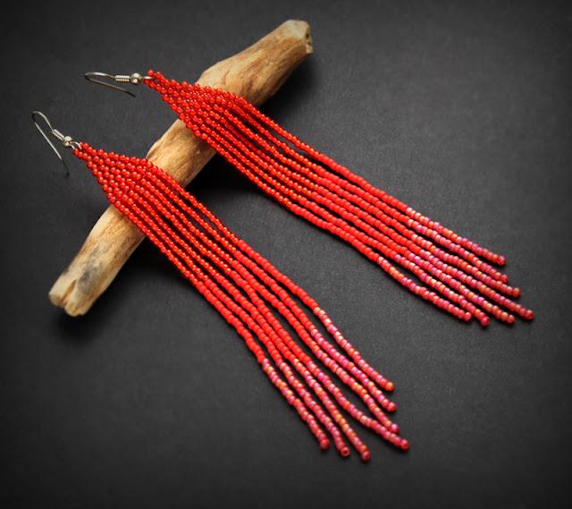 Купить длинные красные серьги из бисера.Интернет-магазин бижутерии ручной работы из бисера.