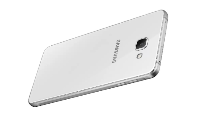 Samsung Galaxy A9 launched the smartphone, which is equipped with the camera behind the world's first 4-lens 47 MP
