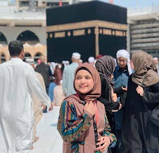 Putri Isnari di Mekkah