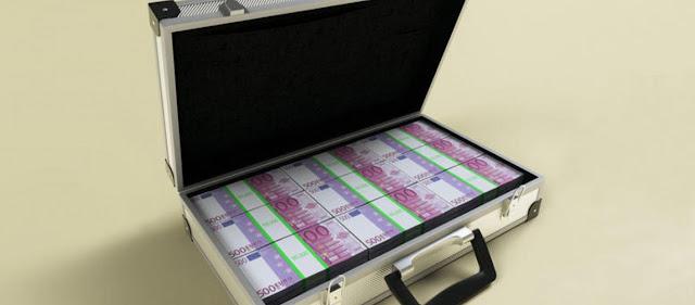 Βουλή Σκοπίων: Πηγαινοέρχονται βαλίτσες γεμάτες λεφτά