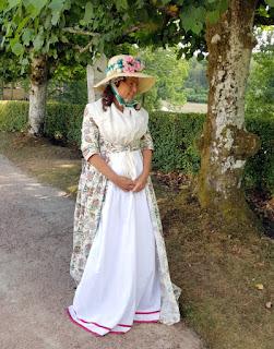 http://evashistoricalcostumes.blogspot.com/p/an-open-robe-from-1790s.html