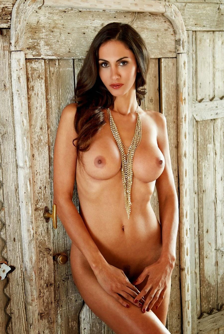 Janina Youssefian Hot