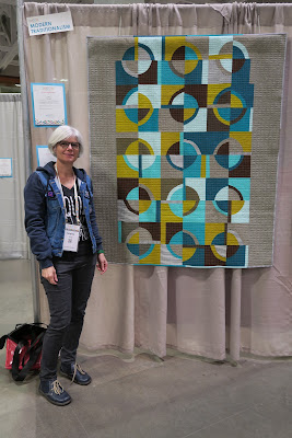 Luna Lovequilts - Quiltcon 2019 - My Retro quilt entered in Modern Traditionalism category