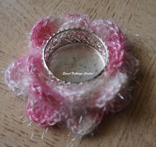 free crochet tea light candle holder pattern, free crochet floral motif pattern