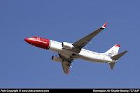 Boeing 737 / LN-DYR