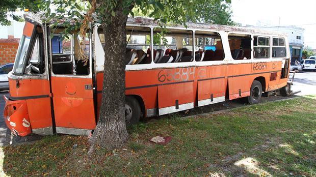 Villa Devoto: Mucho tiempo y dinero para retirar los autos abandonados