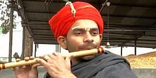 पटना: बिहार मंत्री और आएजेडी प्रमुख लालू यादव के बेटे तेज प्रताप सिंह यादव नए साल पर ...