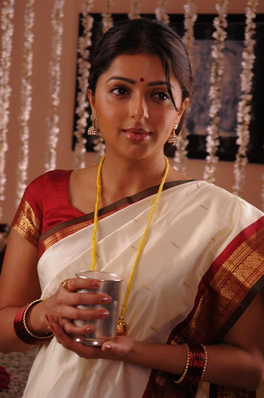 Bhumika chawla first night saree