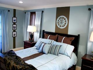 cuarto en azul y marrón