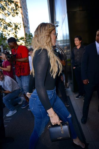 Khloe Kardashian displays toned curves