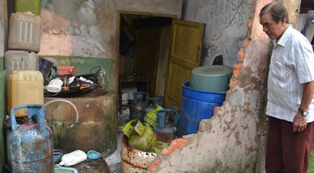 29 AGUSTUS  : Akibat Gas LPG Meledak Di Temukan Korban Wanita Searuh Banya  Dan Mirisnya Di Sampinya Di Temukan Banya...