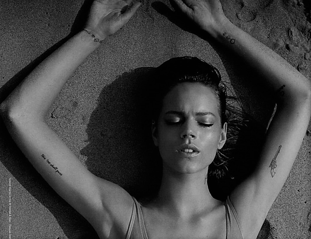 FREJA BEHA TINY TATTOO