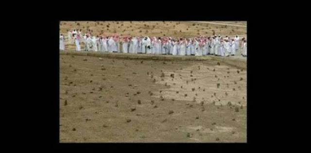 لا اله الا الله جثمان سيدنا حمزه ماذال ينزف حتي وقتنا هذا اي بعد اكثر من مرور 1400عام !!!! شاهد
