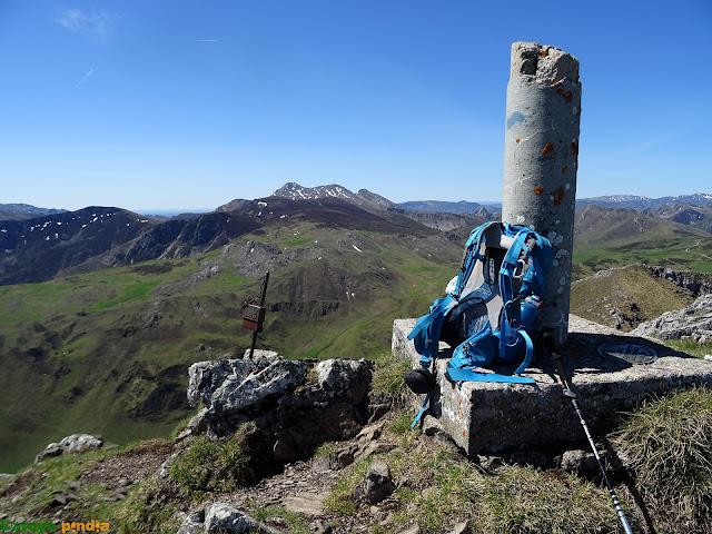 Vértice geodésico del Pico la Tesa en el Parque Natural de Ubiñas-La Mesa