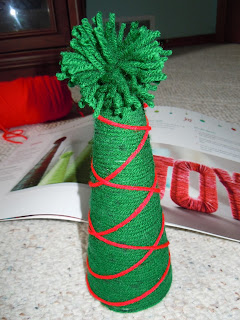 Easy to make Christmas Tree with yarn