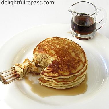 Gluten-Free Pancakes - Can't Tell the Difference! / www.delightfulrepast.com