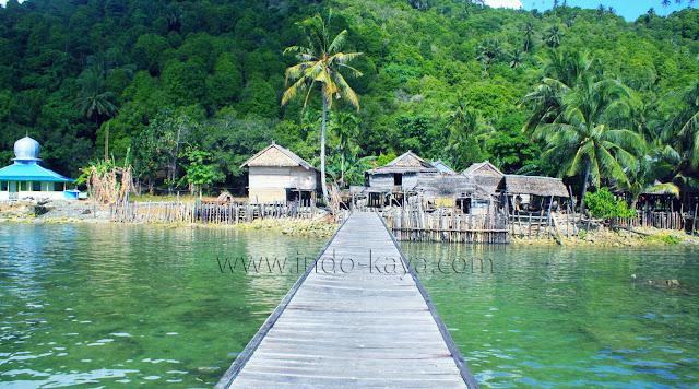 Pesona Pulau Kabung Kalimantan Barat