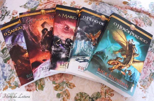 Capa da coleção de livros Heróis do Olimpo
