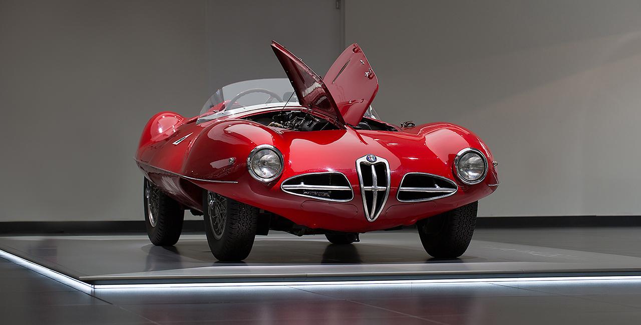 Open Bonnets στο μουσείο της Alfa Romeo - Αποκάλυψη για τον κρυφό κόσμο των Alfa Romeo