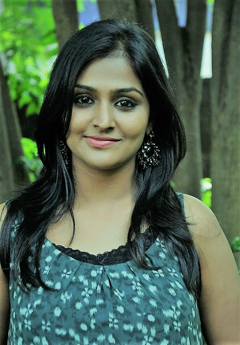 Actress RemyaNambeesan Latest HD Images