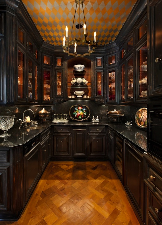 Old World Victorian Kitchen With Dark Wood Cabinetry New York Style Interior Apartment