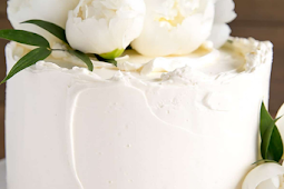LEMON ELDERFLOWER CAKE (COPYCAT ROYAL WEDDING CAKE)