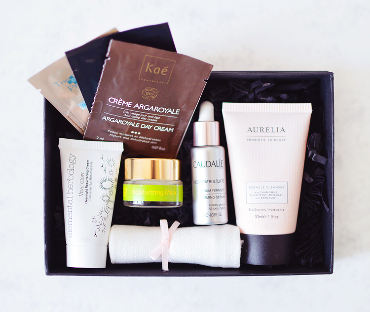 The Skin Radiance Discovery Box.