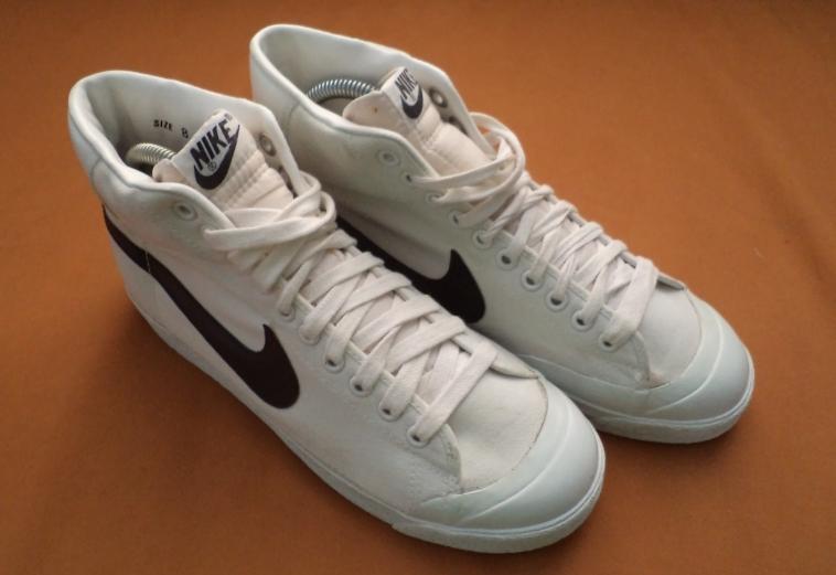 buy online 3dea6 477fe Nike Blazer Hi Canvas