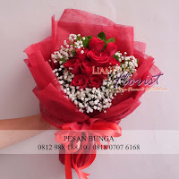 bunga valentine, buket bunga dan cokelat, buket bunga ferrero rocher, buket bunga mawar, bunga mawar valentine, handbouquet mawar, bunga mawar 100tangkai, buket rose, toko bunga, florist jakarta, toko bunga jakarta