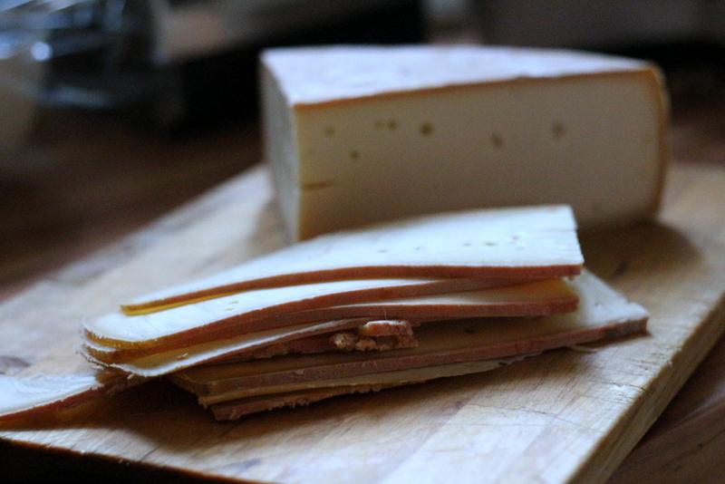 Raclettekäse aus dem Wallis | Arthurs Tochter Kocht by Astrid Paul